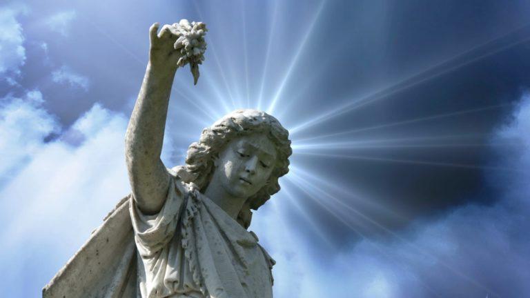angel stature